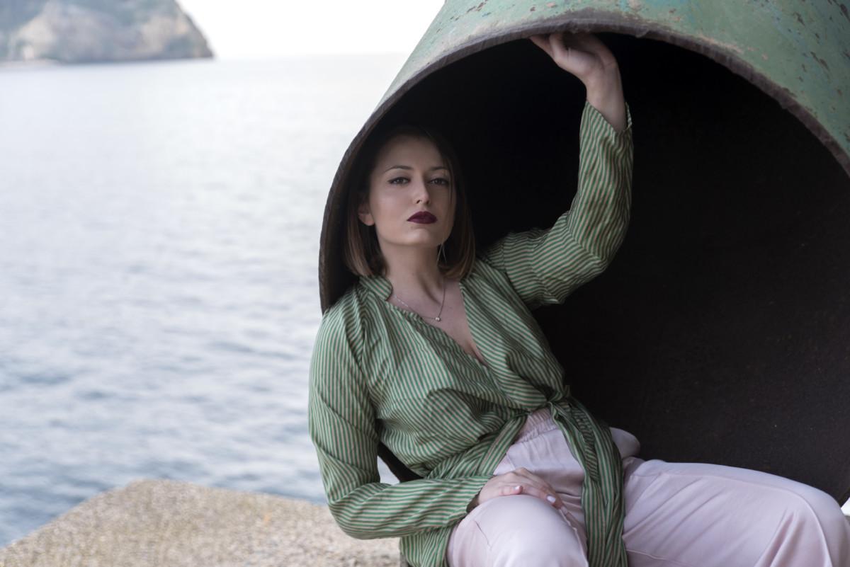 Napoli al tramonto: un look romantico