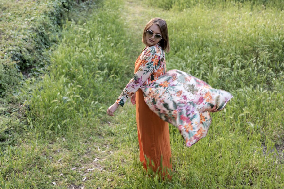 vestito a fiori look anni 70 2
